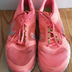 Women's Nike Free Run size 6.5 hot punch sneakers